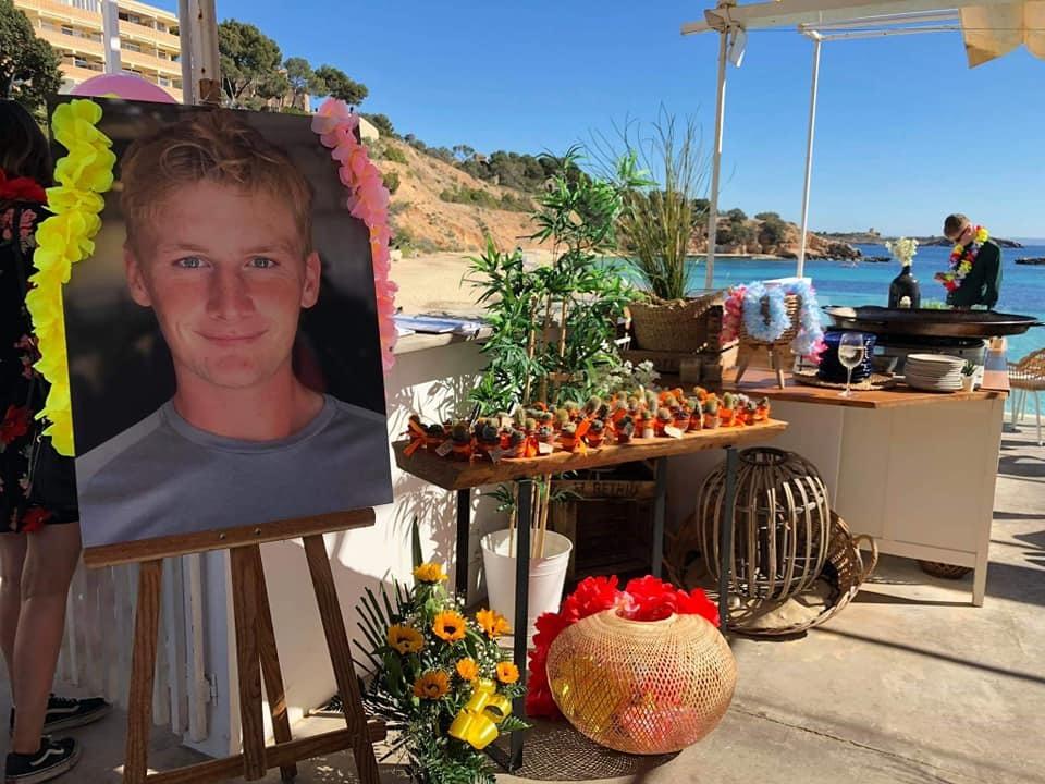 Bracknell Boy Jack Whitelaw S Family Celebrate His Last 21st Birthday Party Bracknell News