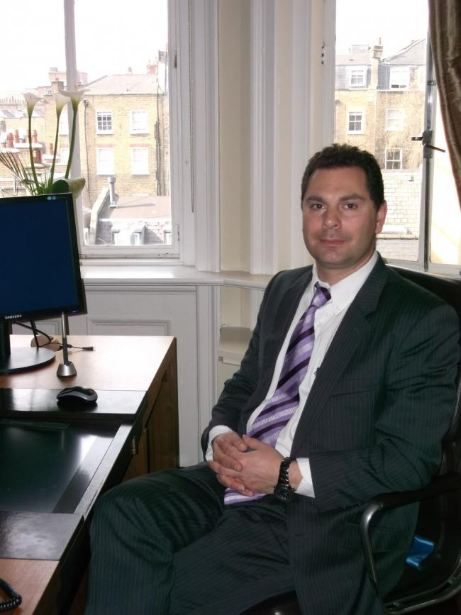 Dr Andy Gaya, consultant oncologist Rutherford Cancer Centre Thames Valley in Reading.