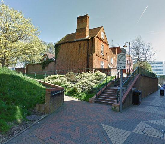 Bracknell News: Whynscar House in Grenville Place, in downtown Bracknell, which could be converted into a Hindu temple.  Credit: Google Maps