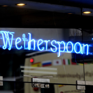Shocked Wetherspoon fans despair at news of closing pub