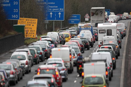 M4 ACCIDENT: One lane closed due to accident between Junction 8 and 10