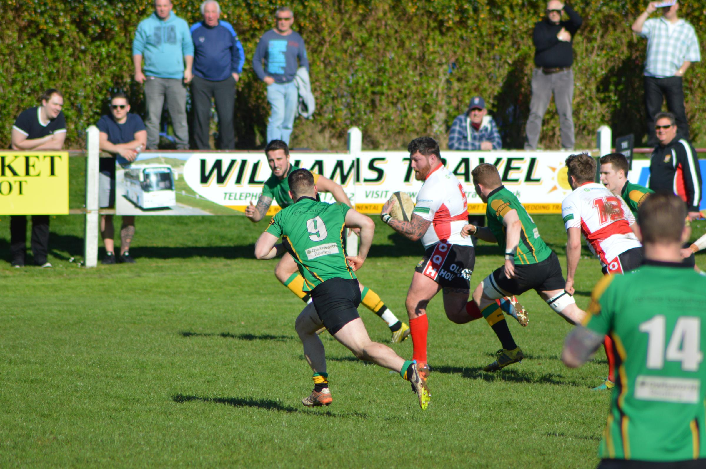 Bracknell (green) lost 22-21 to Camborne on Saturday    Picture by Camborne RFC