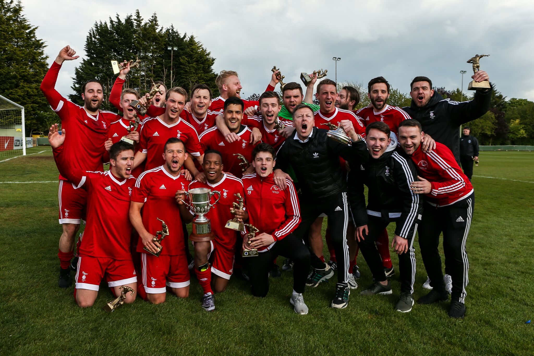 Bracknell Town celebrate with the Hellenic League Cup trophy     Picture by Neil Graham