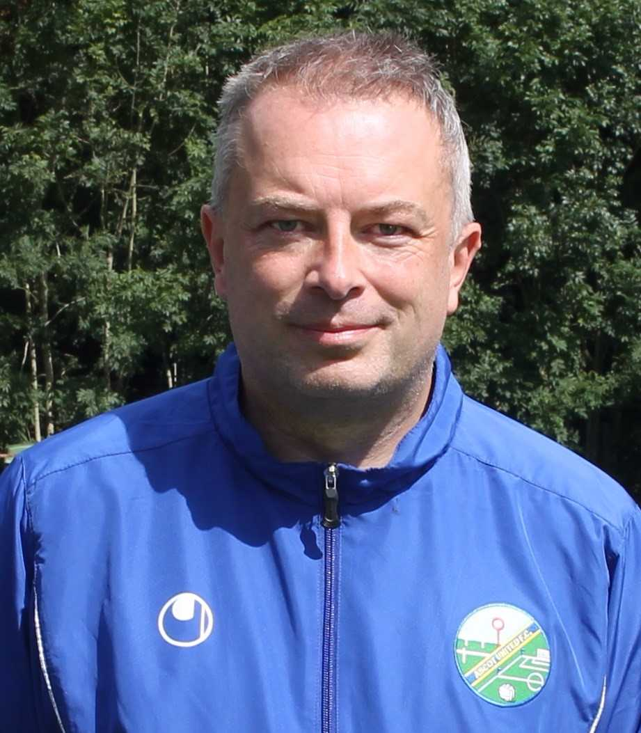 Ascot United manager Neil Richards