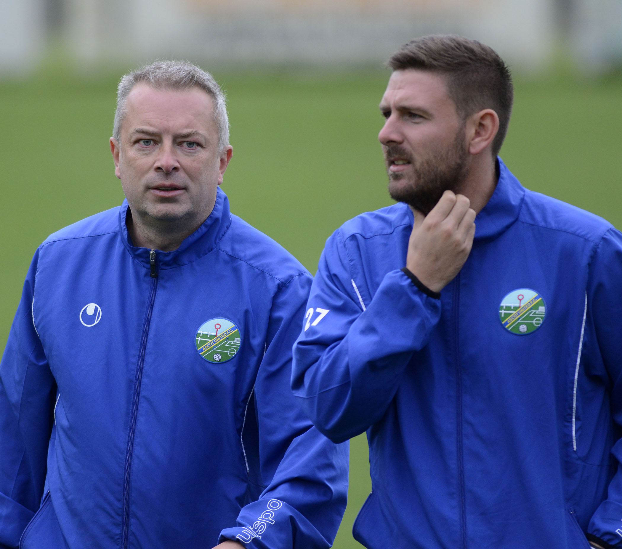 Ascot United manager Neil Richards (left)