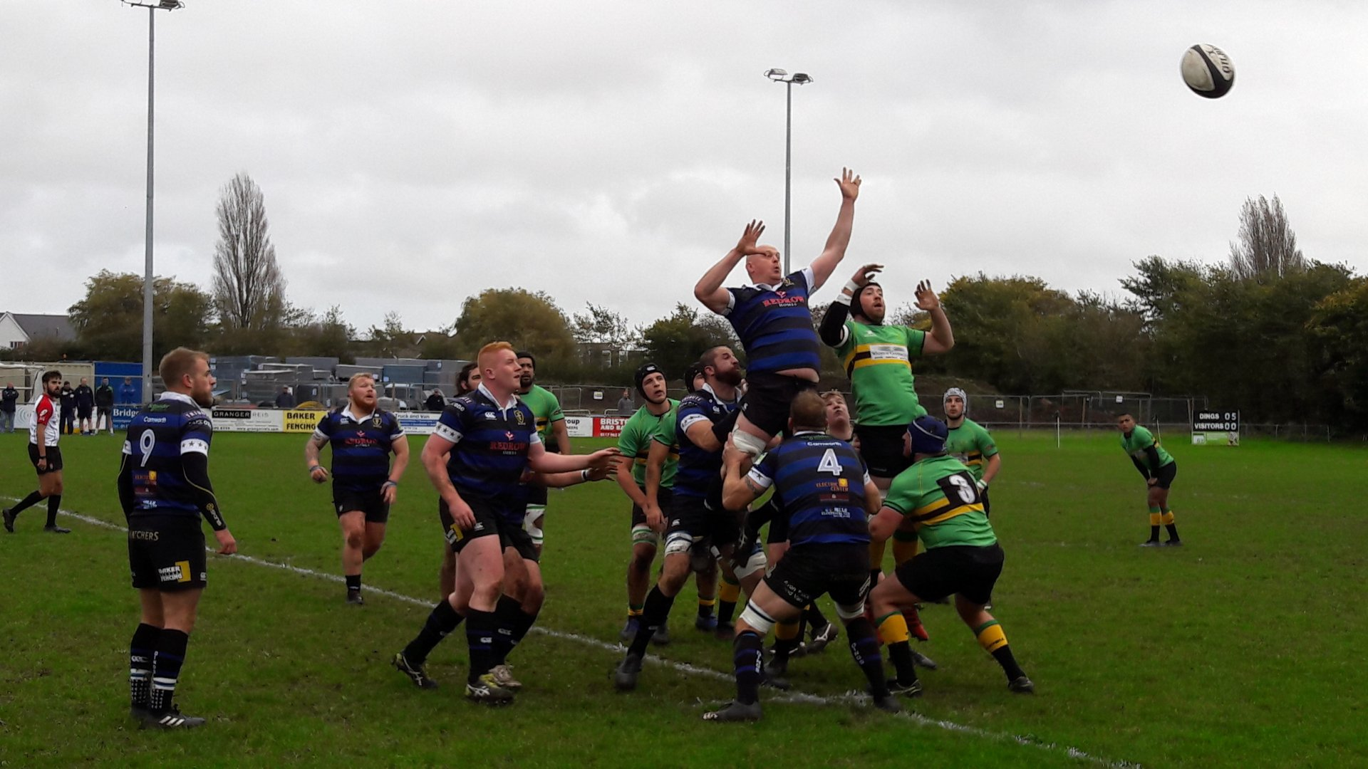 Bracknell (green) lost 29-7 to Dings Crusaders