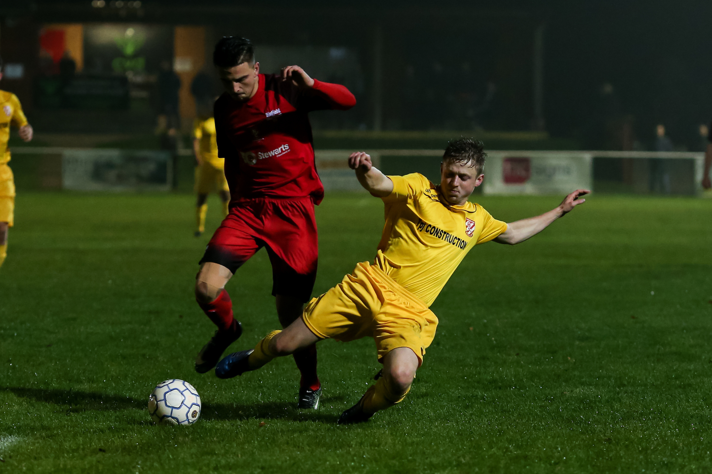 Binfield (red) drew 1-1 with Flackwell Heath    Picture by Neil Graham