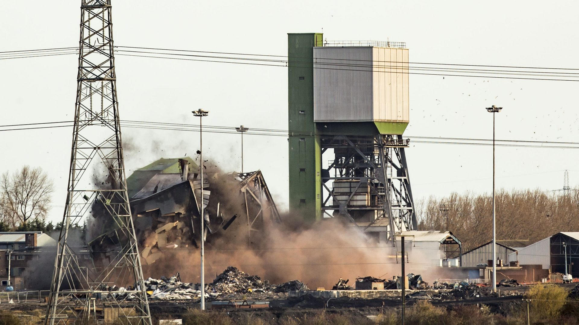 The No 2 Winding Tower at Kellingley Colliery in Yorkshire is demolished (Danny Lawson/PA)