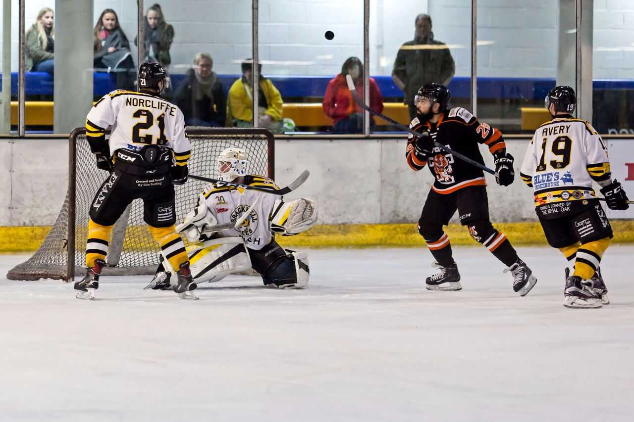 Action from Bracknell Bees' (white) 4-3 defeat to Telford Tigers   Picture by Kevin Slyfield