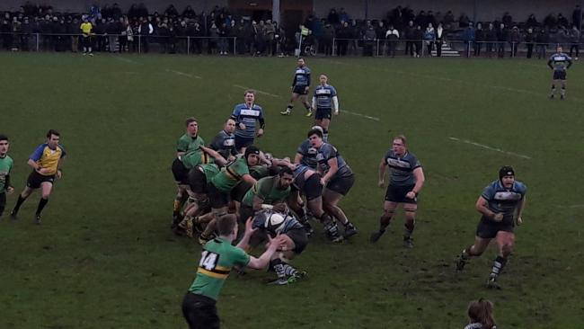 Bracknell (green) beat Newbury Blues 19-14 in their Berkshire derby