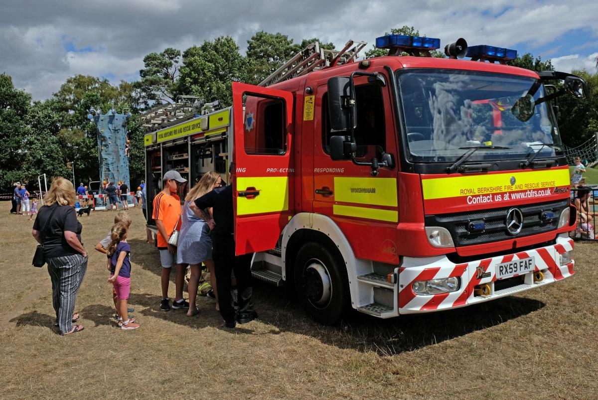 community turns out for finchampstead emergency services fun day