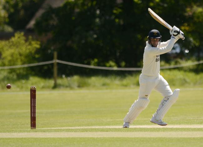 180575 - Eversley (batting) v Maidenhead and Bray (bowling) - pics by Paul Johns.Tim Howarth.